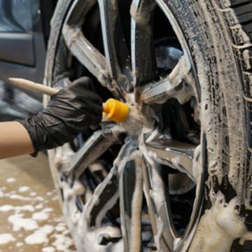 Средство для мытья колес автомобиля Tire Clean от GlossBro